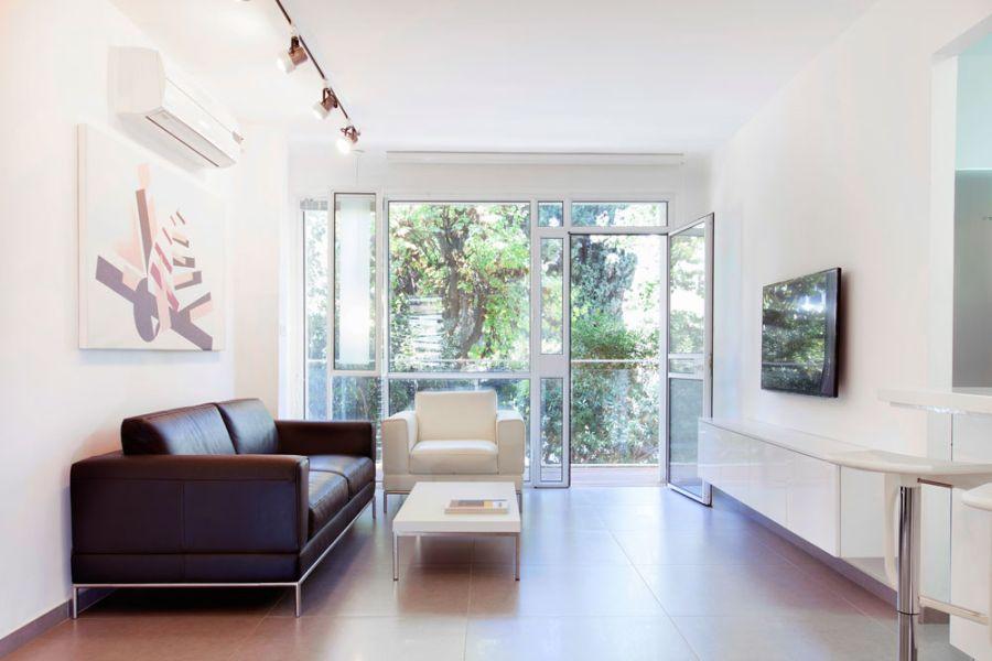 Как стильно обставить небольшую французскую квартиру