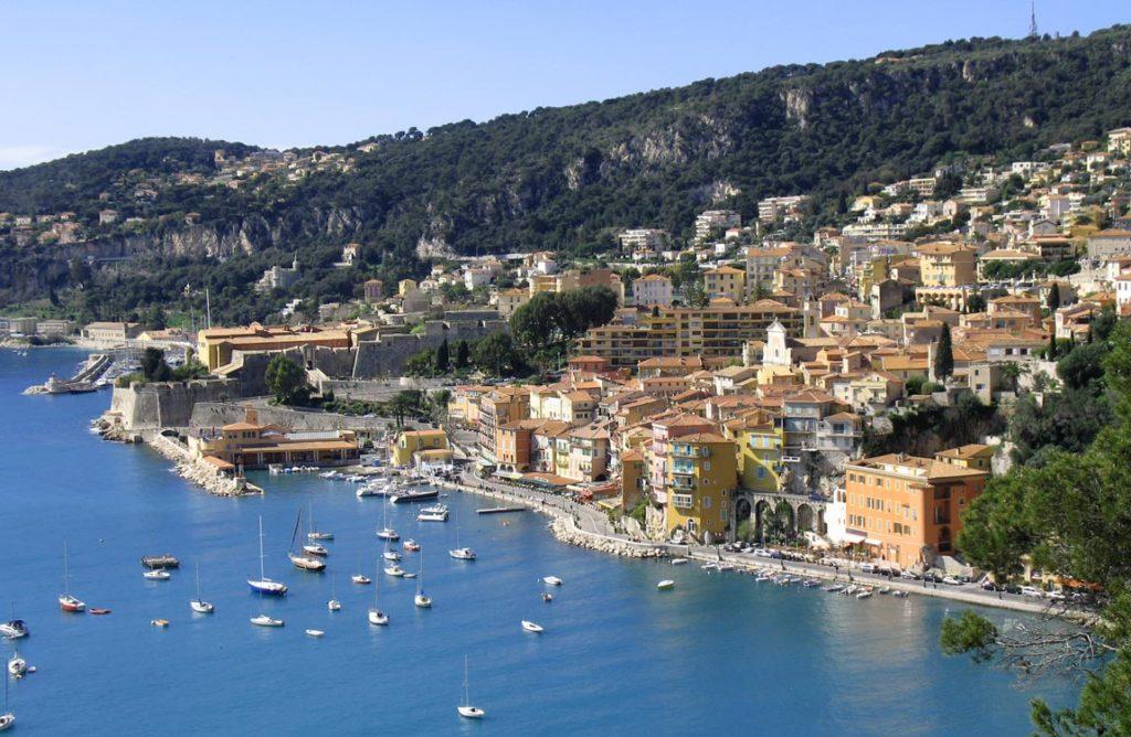 Эксперты считают рынок недвижимости во Франции – парадоксальным