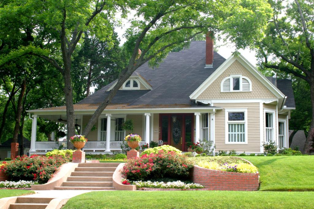 Покупатели делают выбор в пользу французской загородной недвижимости