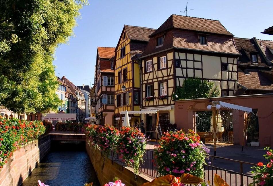 Франция вошла в ТОП-10 стран по покупке недвижимости россиянами