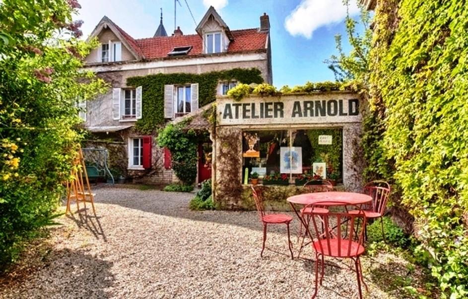 Во Франции продаётся дом, запечатлённый на картине Ван Гога