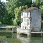 Современный дом из старинной мельницы