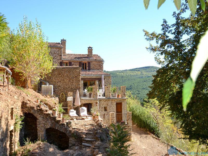 Потрясающий каменный дом в Лангедок-Руссильоне