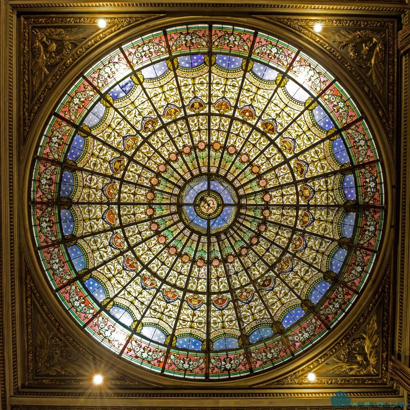 Париж планирует отреставрировать стеклянный купол церкви Сен-Филипп-дю-Руль