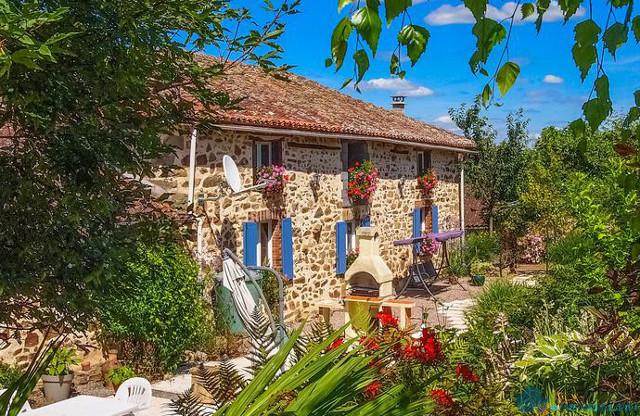 Лучшее предложение недели – очаровательный дом в Шаранте