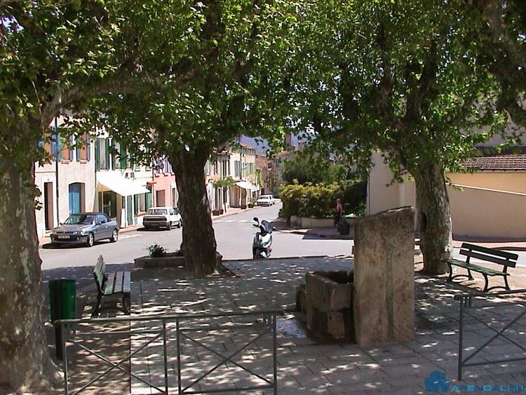 Крошечное великолепие деревни Ле-План-де-ла-Тур