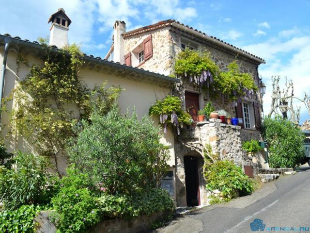 Недвижимость недели — каменный дом на юге Франции