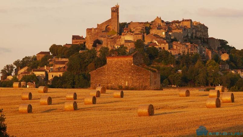 Средневековый городок Корсдес-сюр-Чиль приглашает туристов