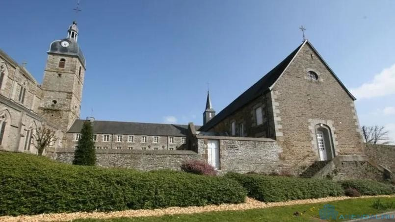 Монастырь площадью 2 000 квадратных метров ищет нового владельца