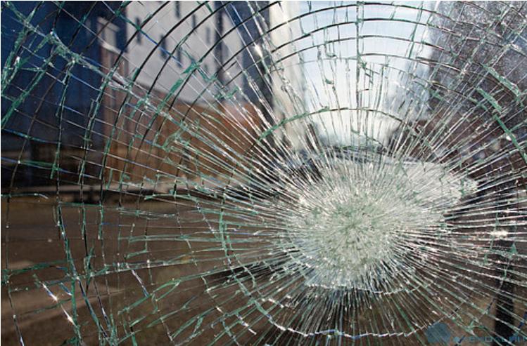 Стеклянная дверь стала причиной подачи судебного иска