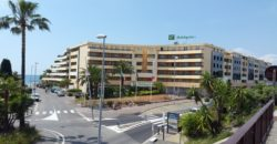 Апартаменты в резиденции «Ноги в воде» в Ницце
