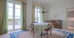 Роскошная вилла в буржуазном стиле в Кап-д'Антибе