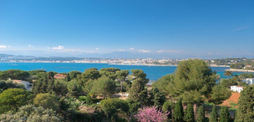 Cap d'Antibes — Великолепная вилла с видом на море
