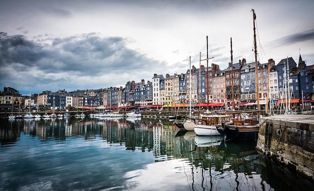 Франция: стоимость жилья на побережье Средиземного моря