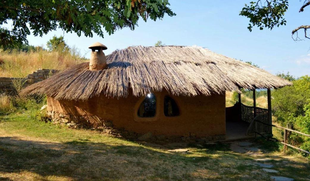 Соломенный дом: экологичное и экономичное решение