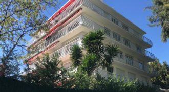 Квартира в Каннах, недалеко от моря, в закрытой резиденции