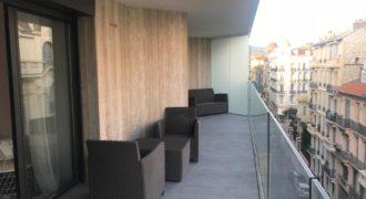 Трехкомнатная квартира в самом центре престижного Золотого Квадрата Ниццы.
