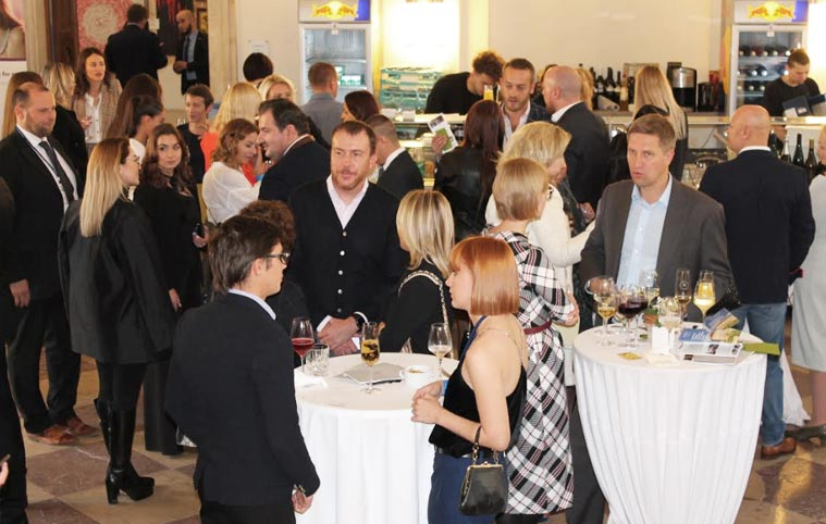 3-5 Октября 2019 Дворцовая вечеринка состоялась на международном Конгрессе Инвестиций в Мюнхене.