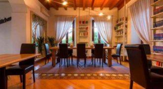Дом у озера Комо, Италия, 730 м2