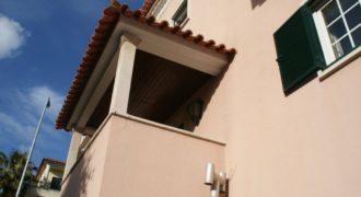 Дом в Эшториле, Португалия, 300 м2