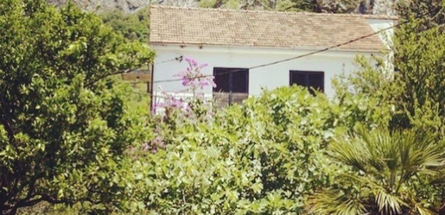 Дом в Которе, Черногория