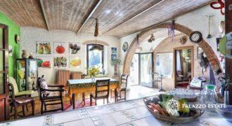 Дом в Кьянни, Италия, 400 м2