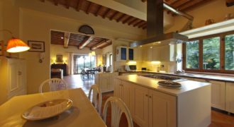 Дом в Умбрии, Италия, 600 м2