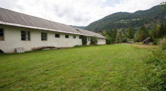 Коммерческая недвижимость в Есенице, Словения, 1287 м2