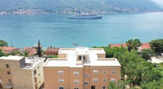 Квартира в Доброте, Черногория, 55 м2
