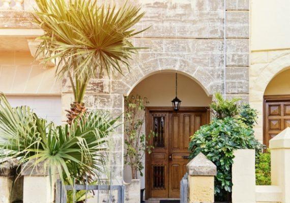 Поради по меблюванню і декоруванню таунхауса на Мальті