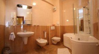 Отель, гостиница Arad, Румыния, 5200 м2