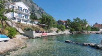 Отель, гостиница в Доброте, Черногория, 420 м2