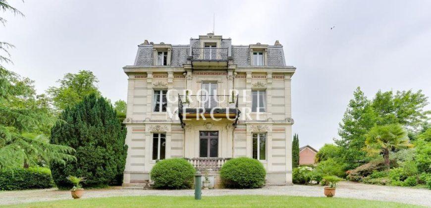 Замок в Ландах, Франция, 350 м2
