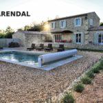 Недвижимость во Франции: как построить и содержать бассейн?