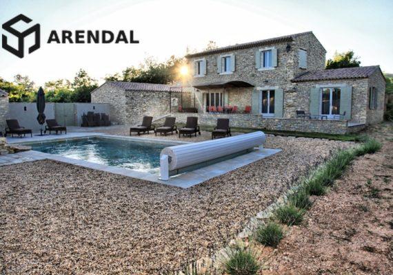 Нерухомість у Франції: як побудувати і утримувати басейн?