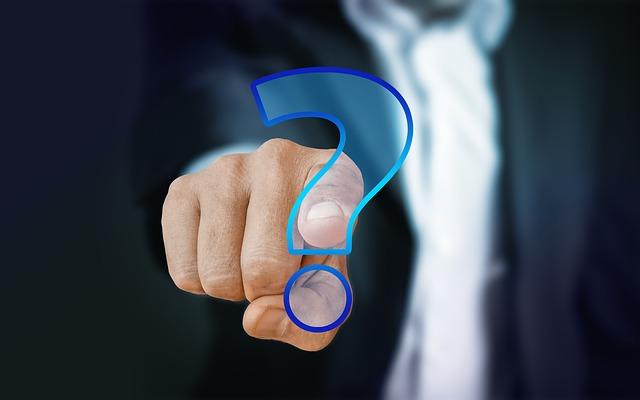 Вопросы наших читателей: управляющая компания может уволить консьержа без согласия общего собрания?