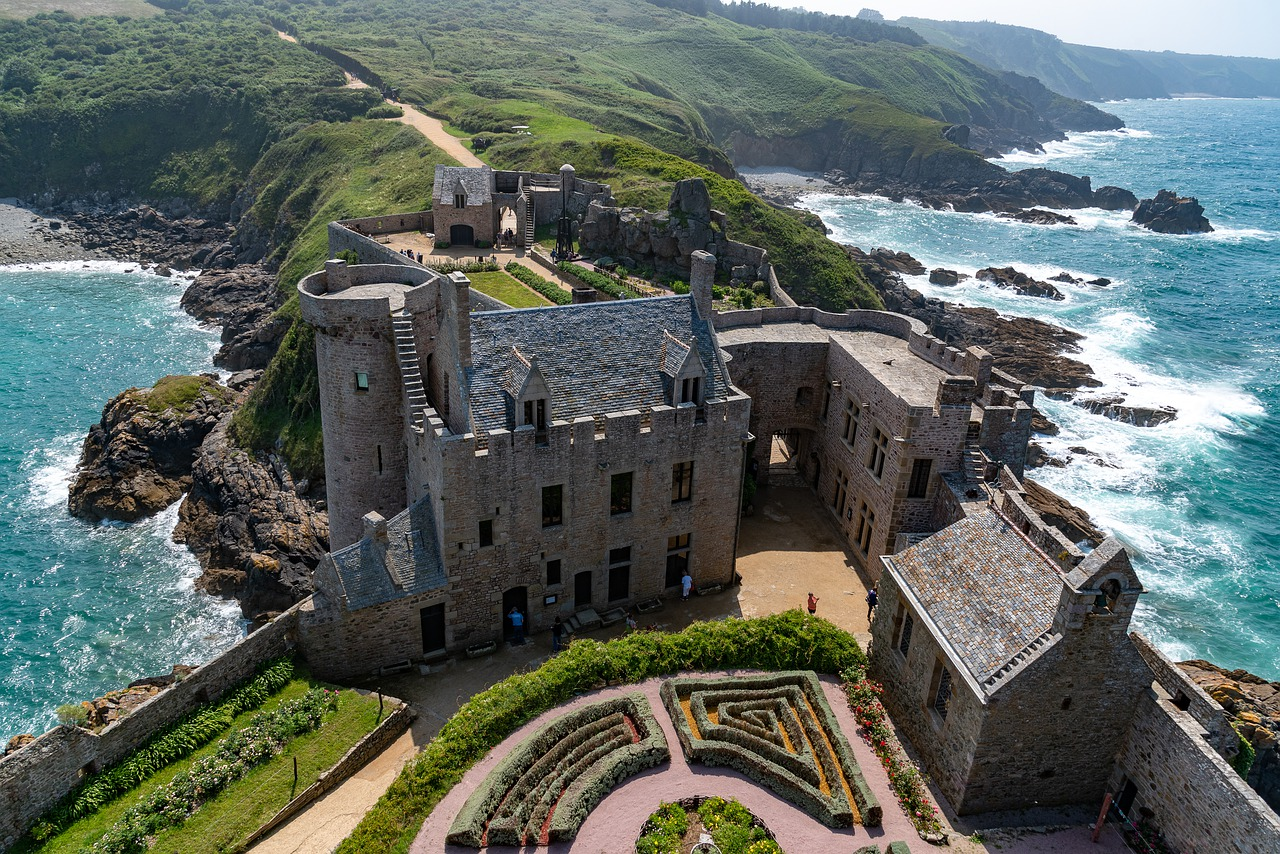 Сколько стоит замок во Франции?