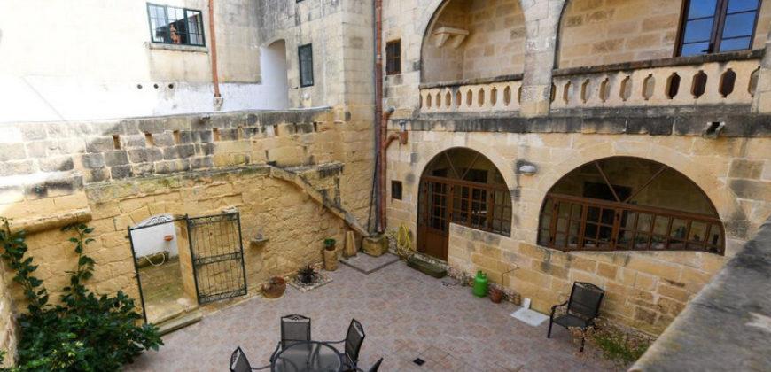 Шикарный дом в  Gozo L-Gharb