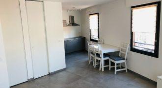 Двухкомнатная квартира в центре Ниццы. Аренда
