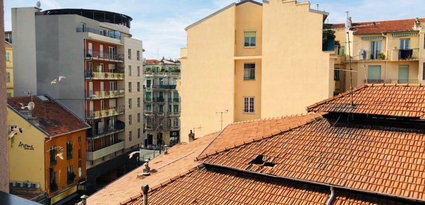 Двухкомнатная квартира в центре Ниццы
