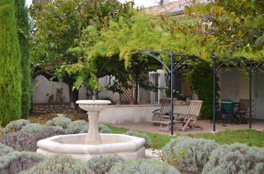 Обзор элитных и недорогих домов Сен-Реми-де-Прованс
