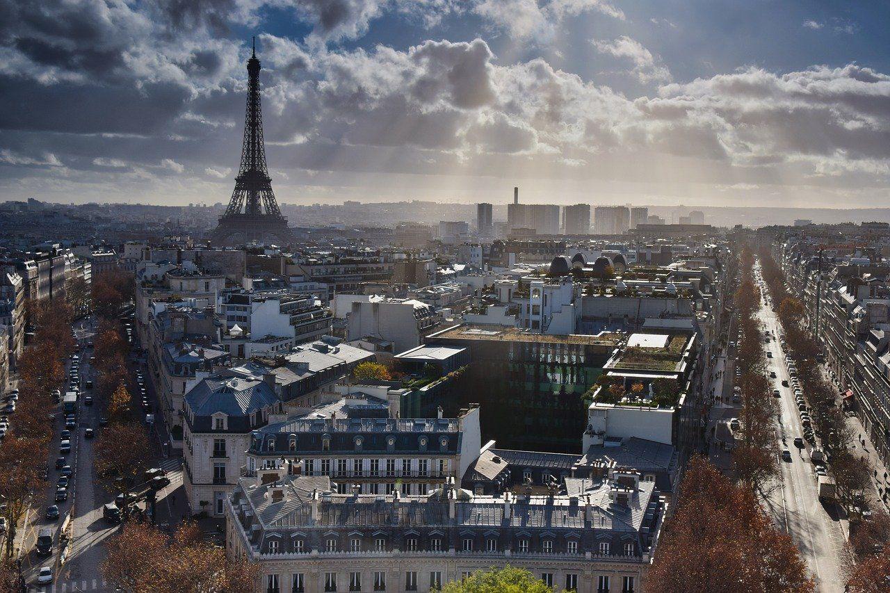 Французы стихийно скупают жилье