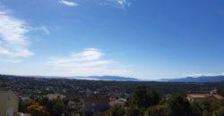 Квартира с террасой , с видом на море, рядом с Опатией