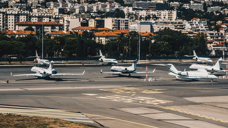 Відпочинок на Лазурному березі Франції: з приватного літака на приватну яхту