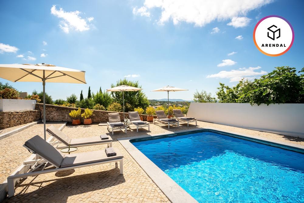 Франция: бассейн увеличивает стоимость жилья